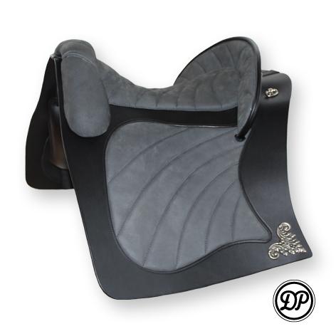 Deuber Espera, Sattelleder schwarz, Sitz-/Polsterleder Nubuk grau, Beschläge silber